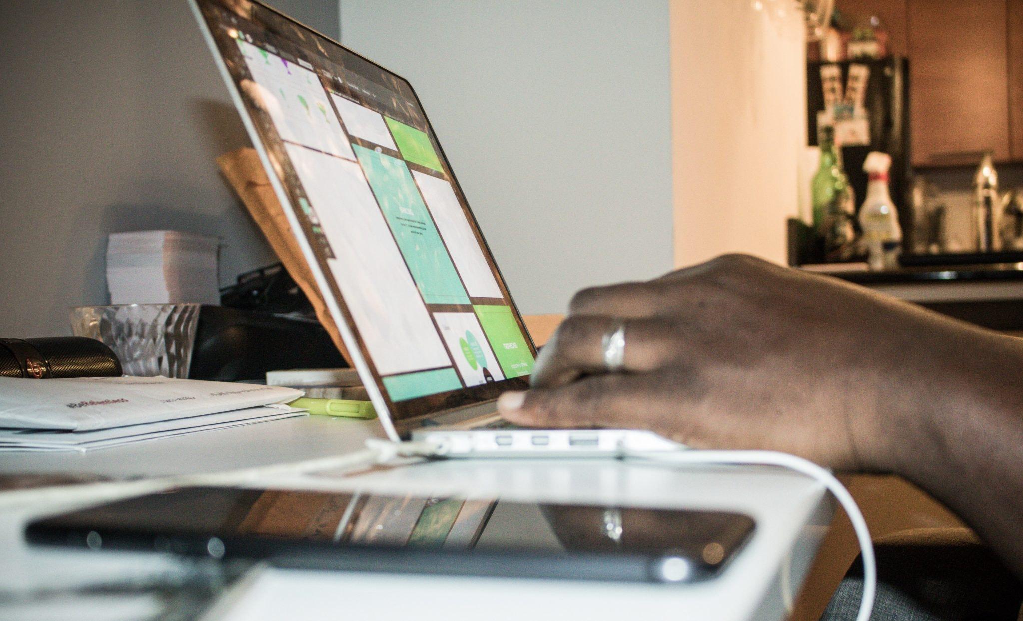 cisco-skype-laptop-phone-collaboration